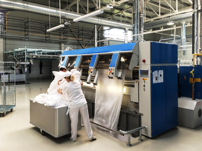 Moderne Faltautomation für Flachwäsche